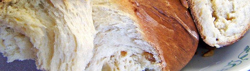 Tsoureki - grčki uskršnji hleb